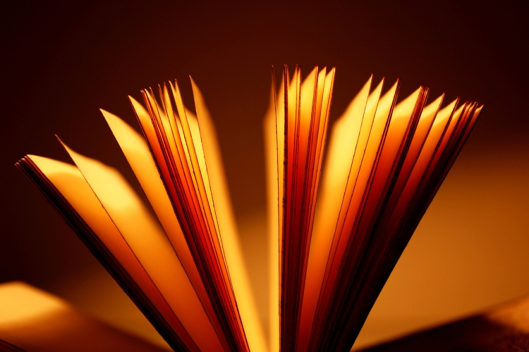 open-book-1417485-1279x852